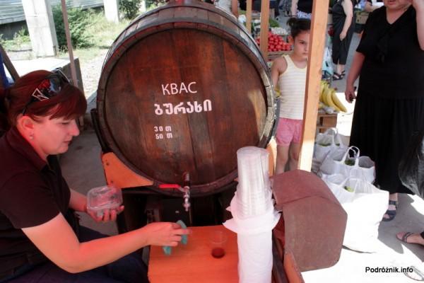 Gruzja - Tbilisi - sierpień 2012 - pyszny lodowaty kwas chlebowy