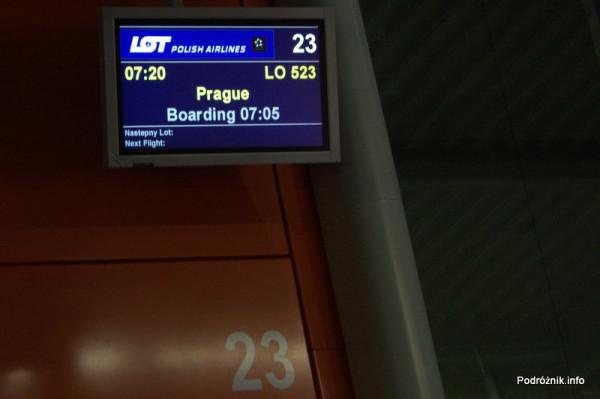 Polska - Warszawa - Lotnisko Chopina - Gate 23 - monitor