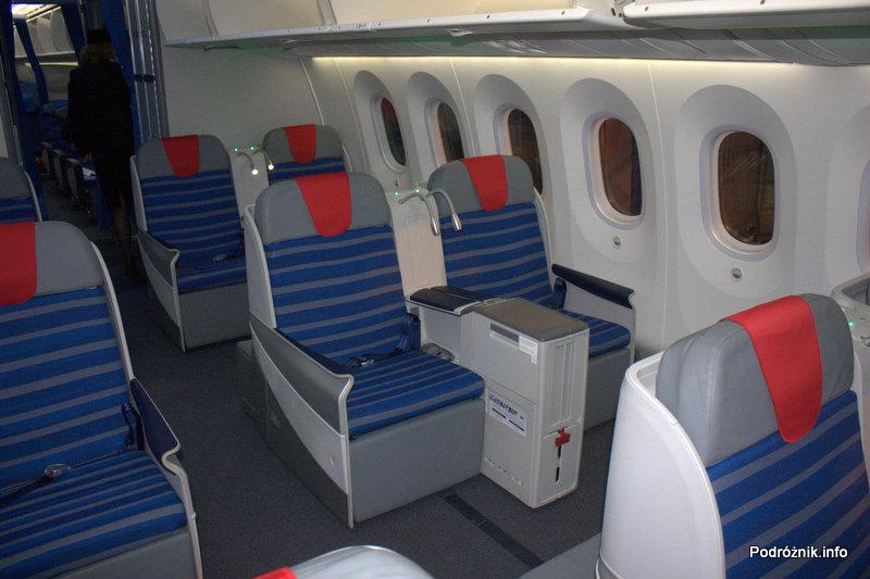 Polskie Linie Lotnicze LOT - Boeing 787 Dreamliner - SP-LRA - fotele w klasie biznes (Elite Club)