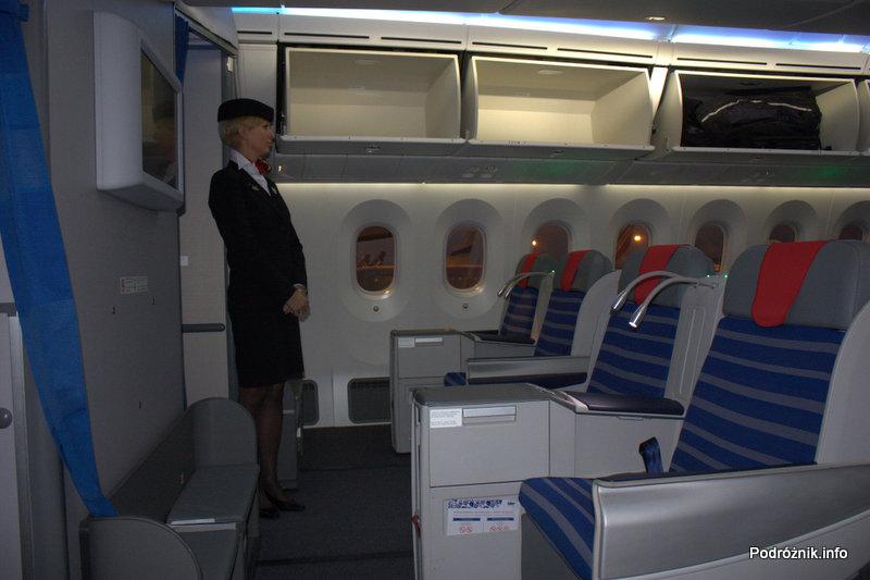 Polskie Linie Lotnicze LOT - Boeing 787 Dreamliner - SP-LRA - fotele w klasie biznes (Elite Club) - oczekiwanie na pasażerów