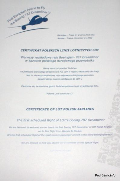 Certyfikat dla pasażerów pierwszego komercyjnego rejsu  Boeingiem 787 Polskich Linii Lotniczych LOT na trasie w Warszawa-Praga 14 grudnia 2012