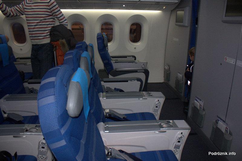 Polskie Linie Lotnicze LOT - Boeing 787 Dreamliner - SP-LRA - fotele w klasie ekonomicznej plus (Premium Club) - pierwszy rząd