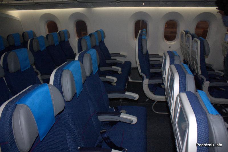 Polskie Linie Lotnicze LOT - Boeing 787 Dreamliner - SP-LRA - klasa ekonomiczna (Economy Club) - rząd 27 bez dostępu do okna