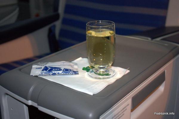 Polskie Linie Lotnicze LOT - Boeing 787 Dreamliner - SP-LRA - klasa biznes (Elite Club) - drink powitalny (welcome drink) - szampan