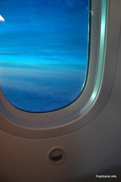Polskie Linie Lotnicze LOT - Boeing 787 Dreamliner - SP-LRA - lekko przyciemnione okno