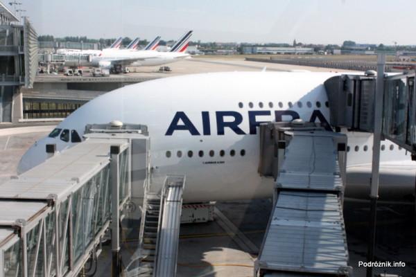 Air France - Airbus 380 - AF1980 - F-HPJB - boarding przez trzy rękawy