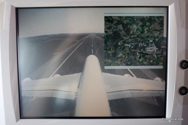 Air France - Airbus 380 - AF1980 - F-HPJB - widok z kamery na ogonie podczas startu z nałożoną mapą okolicy