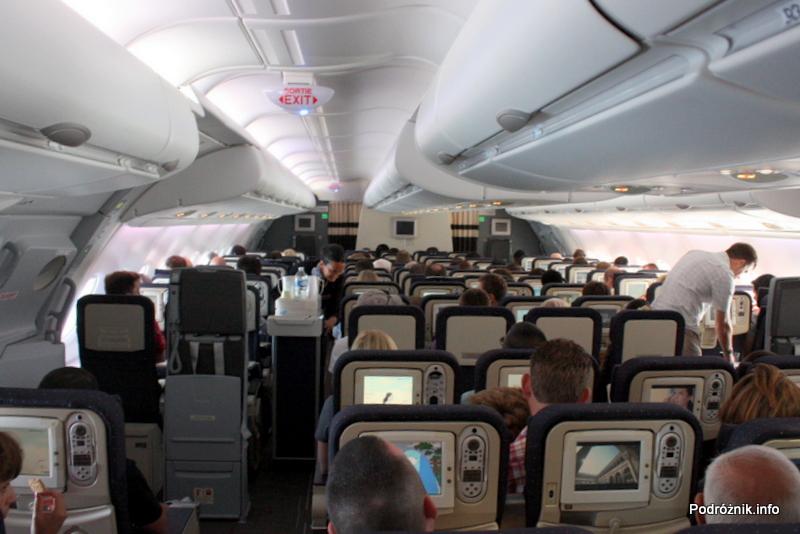 Air France - Airbus 380 - AF1980 - F-HPJB - serwis pokładowy w klasie ekonomicznej na górnym pokładzie