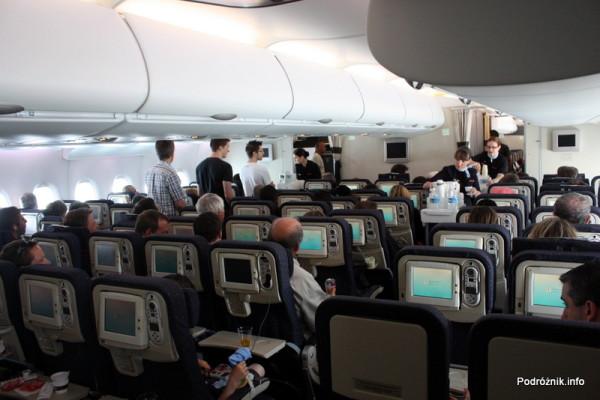 Air France - Airbus 380 - AF1980 - F-HPJB - serwis pokładowy w klasie ekonomicznej na dolnym pokładzie