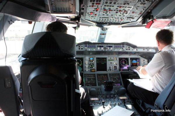 Air France - Airbus 380 - AF1980 - F-HPJB - kabina pilotów