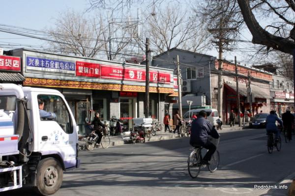 Chiny - Pekin - ulica - kwiecień 2013