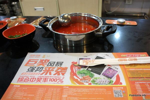 Chiny - Pekin - czerwona pikantna zupa - kwiecień 2013