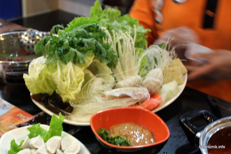 Chiny - Pekin - warzywa i dodatki które możemy użyć do gotowania własnej zupy - kwiecień 2013