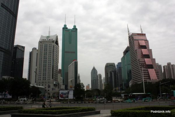 Chiny - Shenzhen - wieżowce - kwiecień 2013