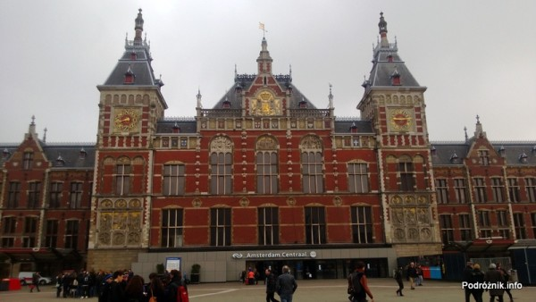 Holandia - Amsterdam - Dworzec kolejowy Amsterdam Centraal - kwiecień 2013