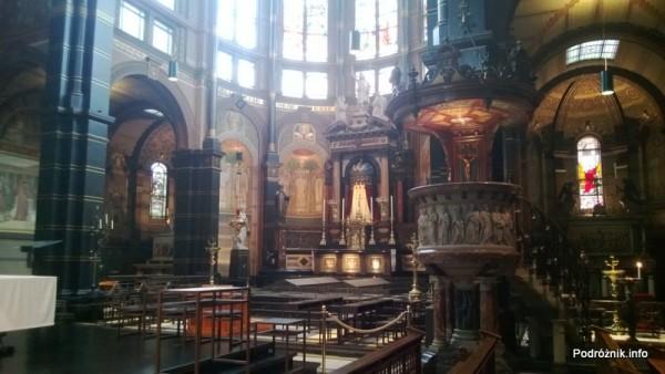 Holandia - Amsterdam - plac Dam - wnętrze Nowego Kościoła (Niewe Kerk) - kwiecień 2013