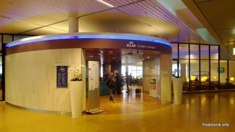 Holandia - Amsterdam - Lotnisko Schiphol - przed wejściem do KLM Crown Lounge - kwiecień 2013