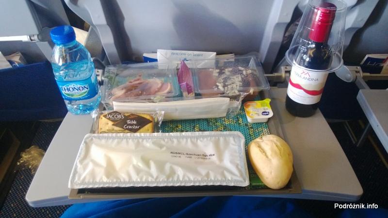 KLM Royal Dutch Airlines - Boeing 747-400 Combi - KL897 - PH-BFW - obiad w Economy Comfort - kwiecień 2013