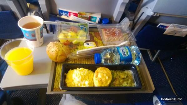KLM Royal Dutch Airlines - Boeing 747-400 Combi - KL897 - PH-BFW - śniadanie w Economy Comfort - kwiecień 2013