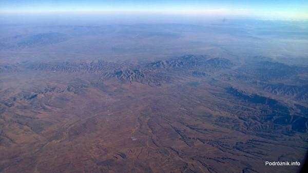 Chiny - góry widoczne z okna samolotu - kwiecień 2013