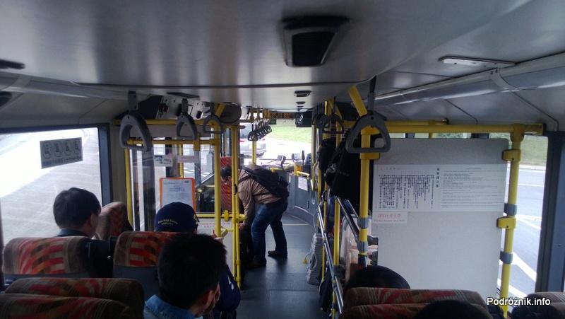 Hongkong - w piętrowym autobusie podczas jazdy - kwiecień 2013