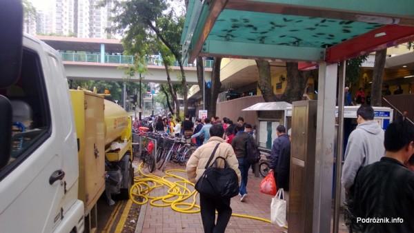 Hongkong - parking rowerowy przed stacją metra Sheung Shui - kwiecień 2013