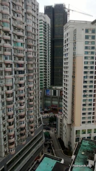 Chiny - Hotel Holiday Inn Express Shenzhen Luohu - widok z okna - kwiecień 2013