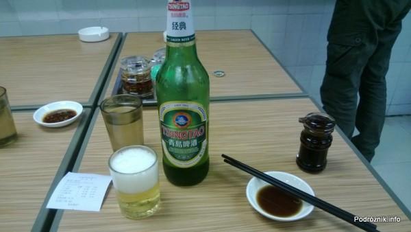 Chiny - Shenzhen - piwo Tsingtao  - kwiecień 2013