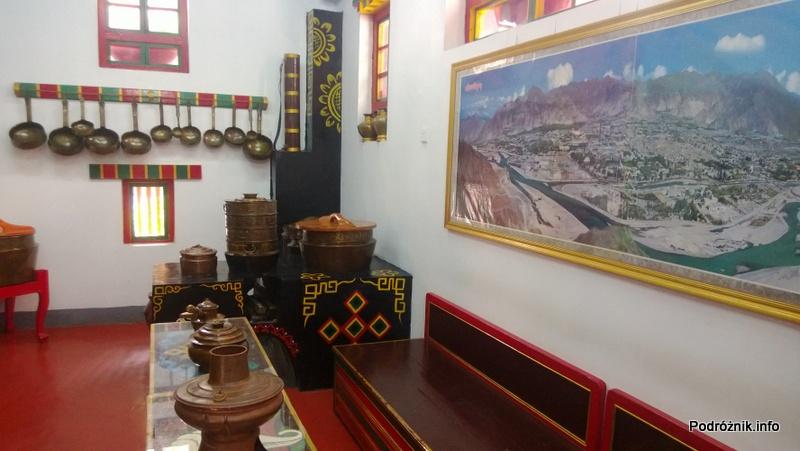 Chiny - Shenzhen - Splendid China Folk Village - dom tybetański - pokój - kwiecień 2013