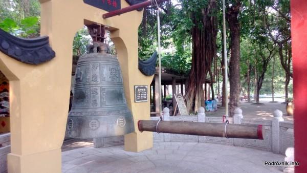 Chiny - Shenzhen - Splendid China Folk Village - dzwon - kwiecień 2013