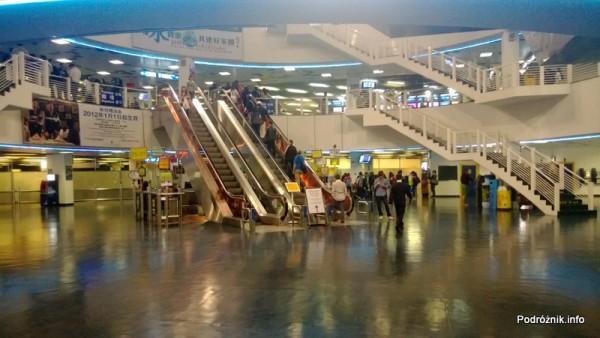 Chiny - Makao - wnętrze terminala promowego - kwiecień 2013