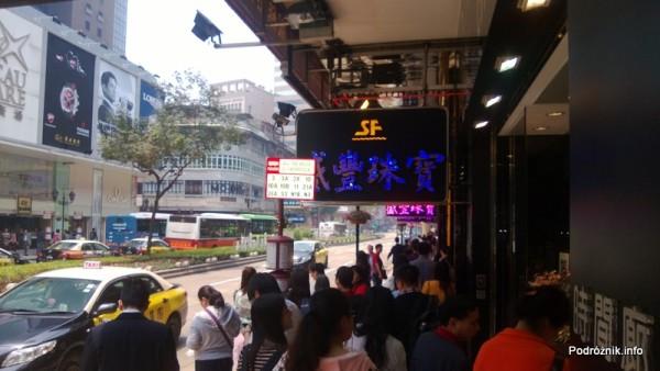 Chiny - Makao - centrum - przystanek autobusowy - kwiecień 2013