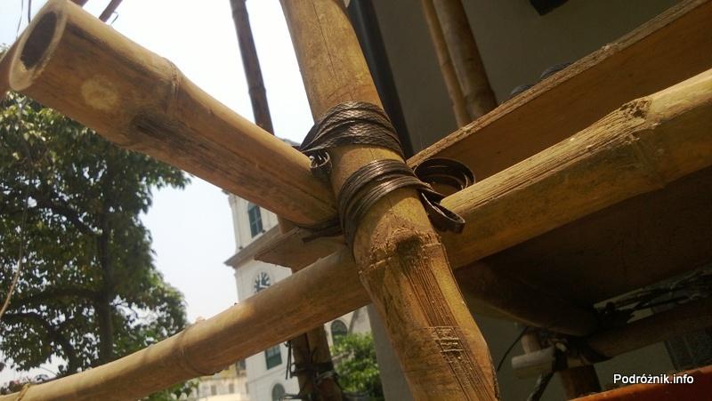 Chiny - Makao - wiązanie bambusowego rusztowania - kwiecień 2013