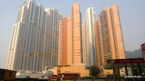 Chiny - Makao - Taipa - pięćdziesięcio piętrowe bloki mieszkalne  - kwiecień 2013