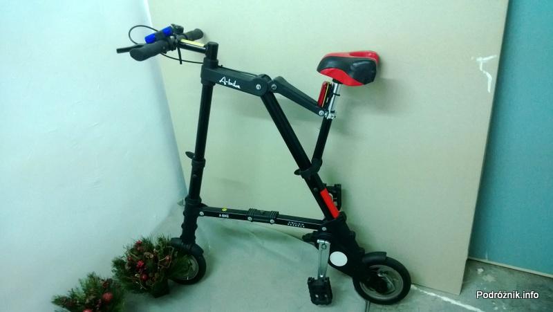Chiny - Hongkong - rozłożony składany rower - kwiecień 2013