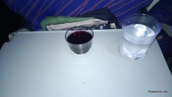 China Southern - Airbus A330 - CZ345 - B-6500 - Klasa ekonomiczna (Economy Class) - napoje po starcie - wino i woda - kwiecień 2013