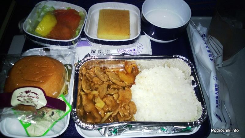China Southern - Airbus A330 - CZ345 - B-6500 - Klasa ekonomiczna (Economy Class) - posiłek na pokładzie - kwiecień 2013