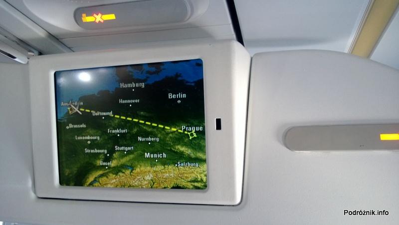 CSA Czech Airlines - CSA Czeskie Linie Lotnicze - Airbus A319 - OK-MEK - OK617 - Klasa ekonomiczna - monitor wyświetlający planowaną trasę przelotu z Amsterdamu do Pragi - kwiecień 2013