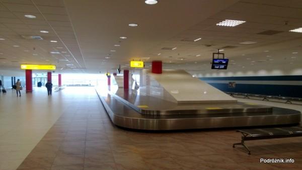 Czechy - Port lotniczy Praga imienia Vaclava Havla dawniej Port lotniczy Praga-Ruzyne - karuzela do odbioru bagażu - kwiecień 2013