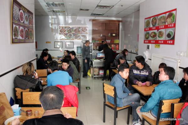 Chiny - Pekin - wnętrze chińskiego baru - kwiecień 2013