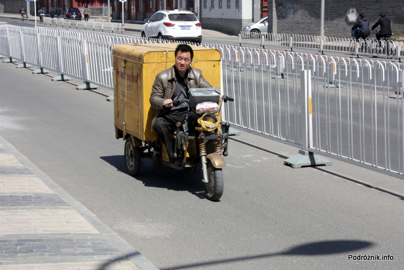 Chiny - Pekin - dostawczy skuter - kwiecień 2013