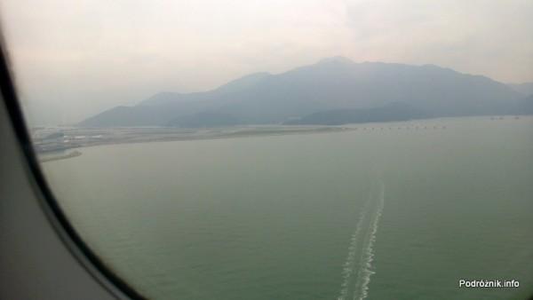 Hongkong - widok z okna przed samym lądowaniem - kwiecień 2013