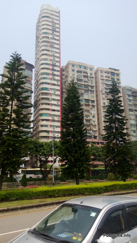 Chiny - Makao - ponad trzydziesto piętrowy blok mieszkalny - kwiecień 2013
