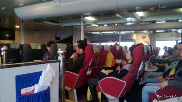 Chiny - Makao - prom do Hongkongu - fotele w środkowym rzędzie - kwiecień 2013