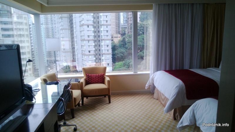 Chiny - Hongkong - JW Marriott Hotel Hong Kong - widok na pokój typu 2 Double - kwiecień 2013
