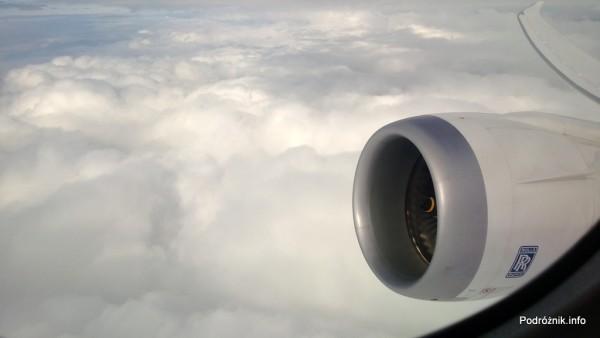 Polskie Linie Lotnicze LOT - Boeing 787 Dreamliner (SP-LRA) - silnik oraz zakrzywione skrzydło - czerwiec 2013