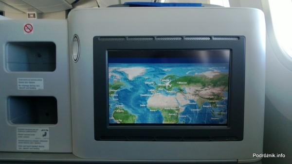 Polskie Linie Lotnicze LOT - Boeing 787 Dreamliner (SP-LRA) - Klasa Biznes (Elite Club) - ekran systemu rozrywki pokładowej - mapa - czerwiec 2013