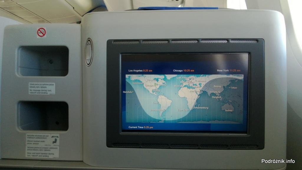 Polskie Linie Lotnicze LOT - Boeing 787 Dreamliner (SP-LRA) - Klasa Biznes (Elite Club) - ekran systemu rozrywki pokładowej - mapa z podziałem dzień noc - czerwiec 2013