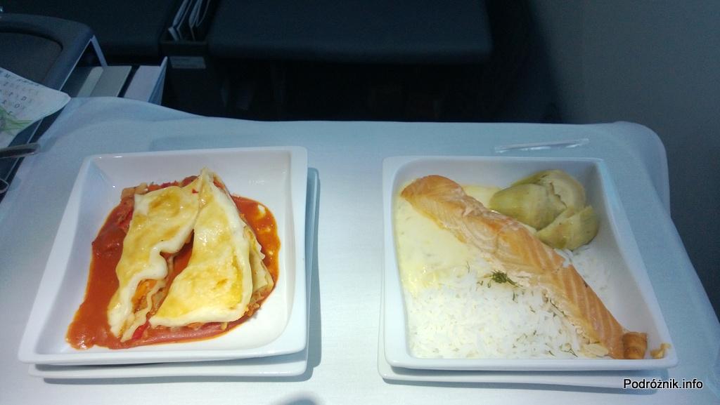 Polskie Linie Lotnicze LOT - Boeing 787 Dreamliner (SP-LRA) - Klasa Biznes (Elite Club) - jedzenie w samolocie - dwa dania główne - łosoś i lazania - czerwiec 2013