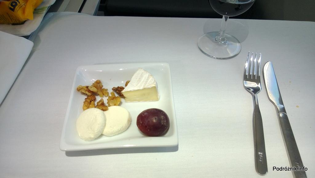 Polskie Linie Lotnicze LOT - Boeing 787 Dreamliner (SP-LRA) - Klasa Biznes (Elite Club) - jedzenie w samolocie - sery - czerwiec 2013